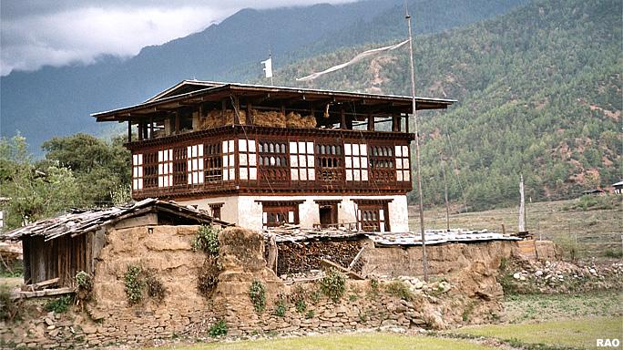 Raonline bhutan architecture traditional houses in bhutan in bhutan - Houses bucovina traditional architecture ...
